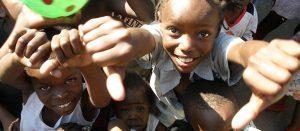 ayudar a los mas necesitados con marketing solidario suenos haiti